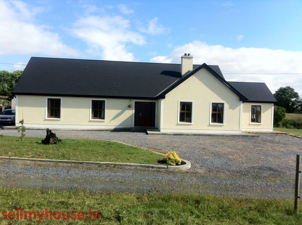 Tawnylough bungalow country house for sale in for Bungalow plans ireland