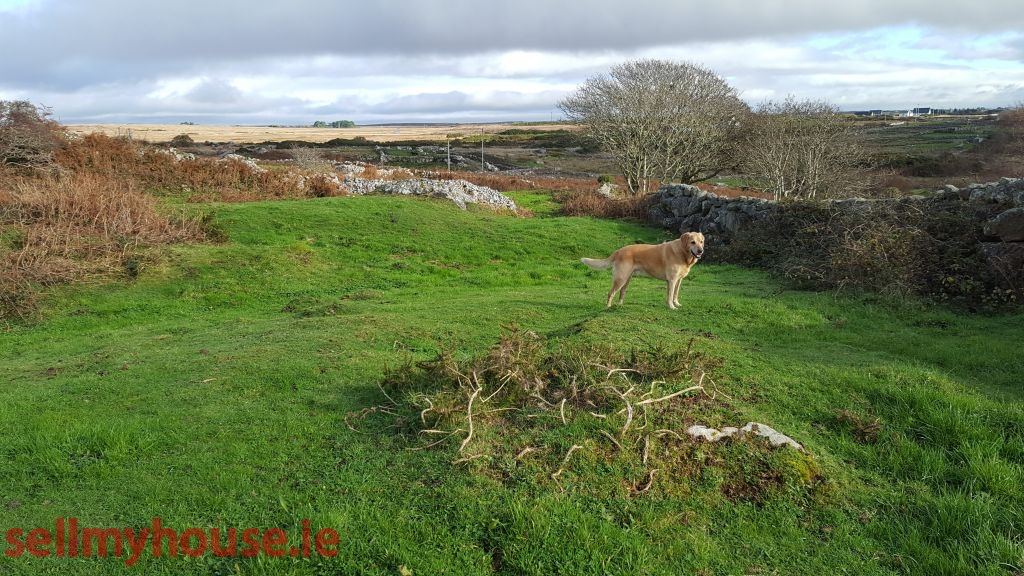 Half acre site at Corr Na Run Inverin