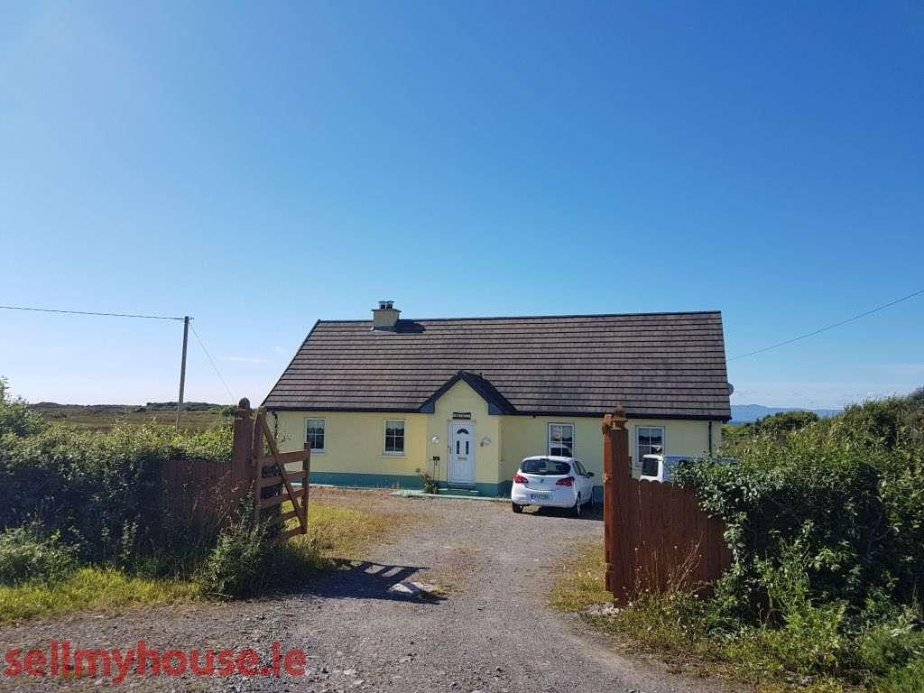 castlegal house for sale by the sea, ideal holiday home