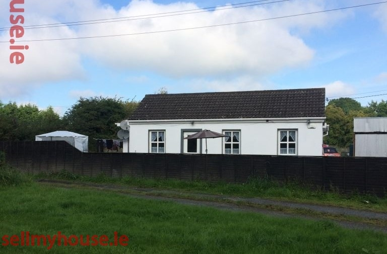 Kildare Cottage for sale by the Grand Canal