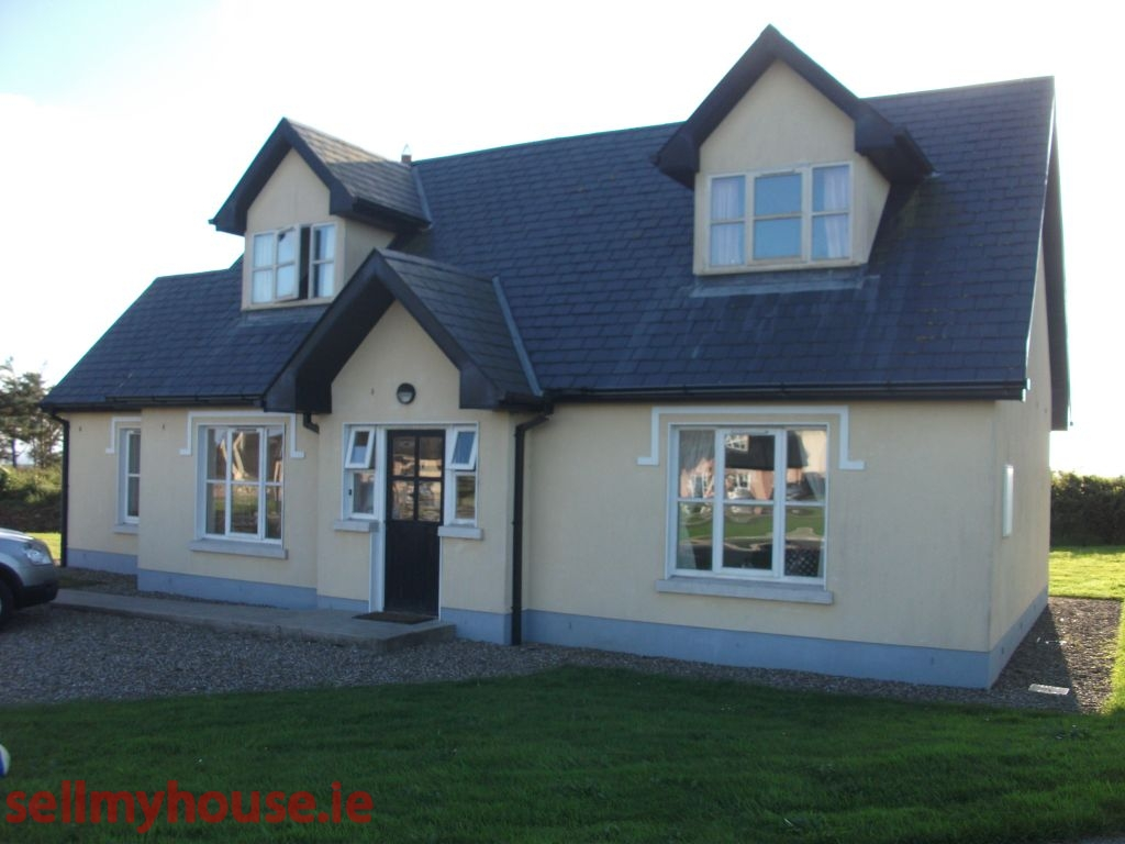Querrin kilkee cottage for sale near carrigaholt