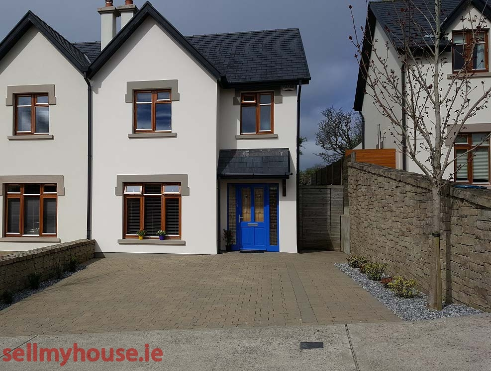 28 Ard Aoibhinn - Semi Detached House for sale in