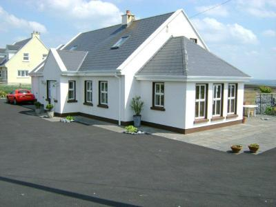 Doonagore Holiday Home